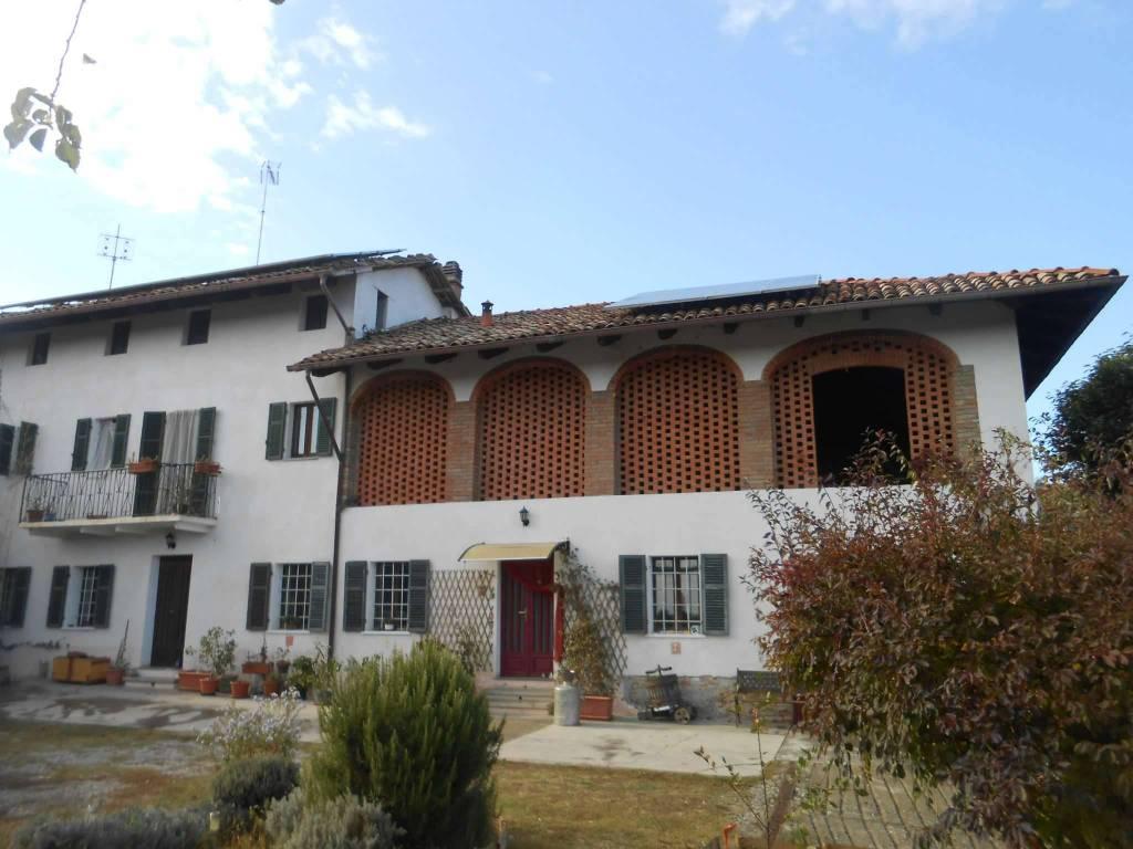 Rustico / Casale in vendita a Castelnuovo Don Bosco, 10 locali, prezzo € 175.000 | CambioCasa.it