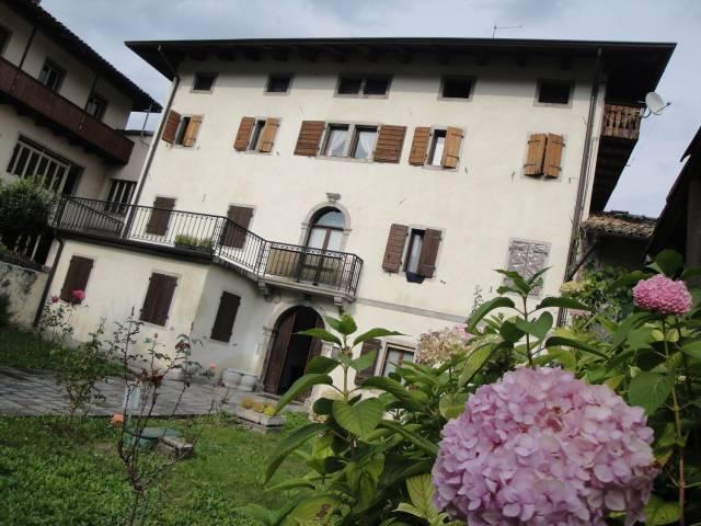 Appartamento in buone condizioni parzialmente arredato in vendita Rif. 5016549
