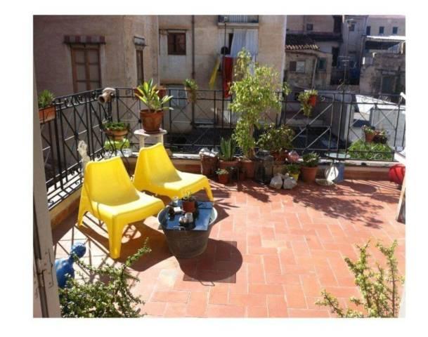 Bilocale Palermo Via San Nicolò All'albergheria 2