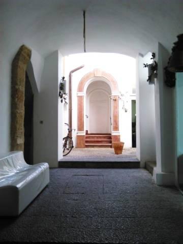 Bilocale Palermo Via San Nicolò All'albergheria 13