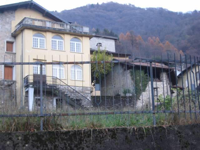 Casa Indipendente da ristrutturare parzialmente arredato in vendita Rif. 4937916