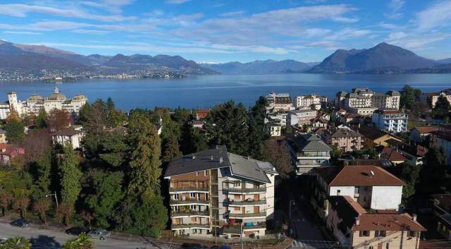 Appartamento in vendita a Stresa, 4 locali, prezzo € 249.000 | CambioCasa.it