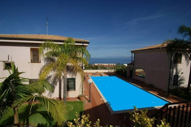 Villa in buone condizioni arredato in vendita Rif. 4233596