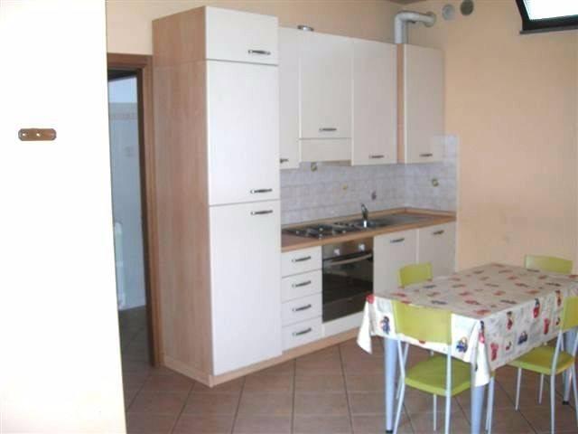 Appartamento in ottime condizioni arredato in affitto Rif. 7780630