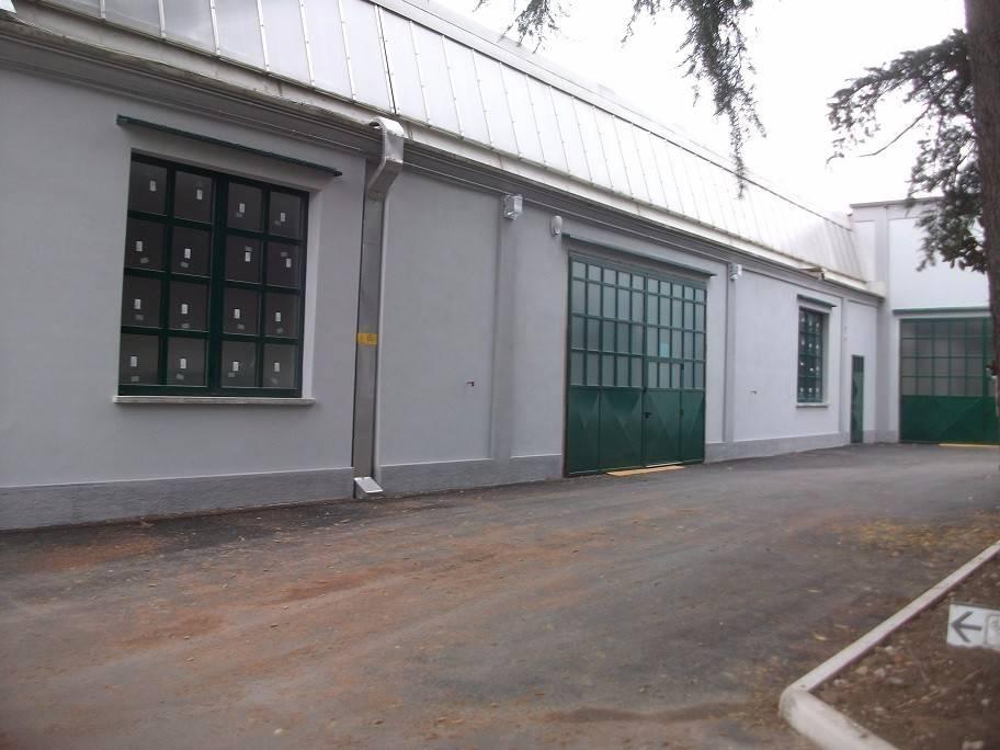 Capannone in affitto a Olgiate Olona, 1 locali, prezzo € 1.735 | PortaleAgenzieImmobiliari.it