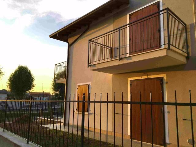 Appartamento in vendita a Isorella, 4 locali, prezzo € 110.000 | Cambio Casa.it