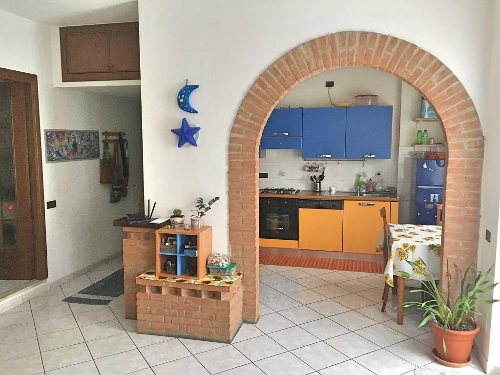 Appartamento in ottime condizioni arredato in affitto Rif. 9107968