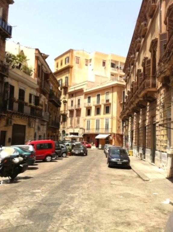 Negozio-locale in Affitto a Palermo Centro: 3 locali, 400 mq