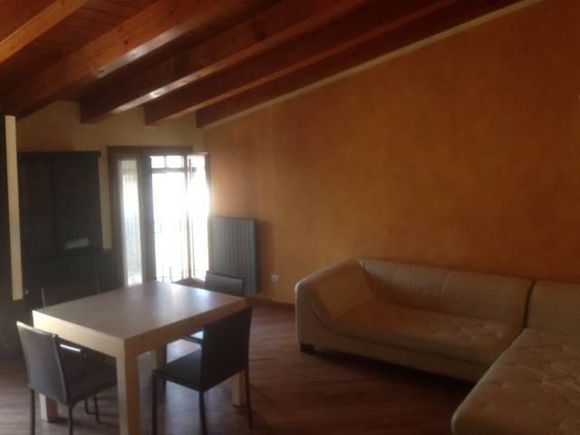 Appartamento in ottime condizioni arredato in vendita Rif. 5059739