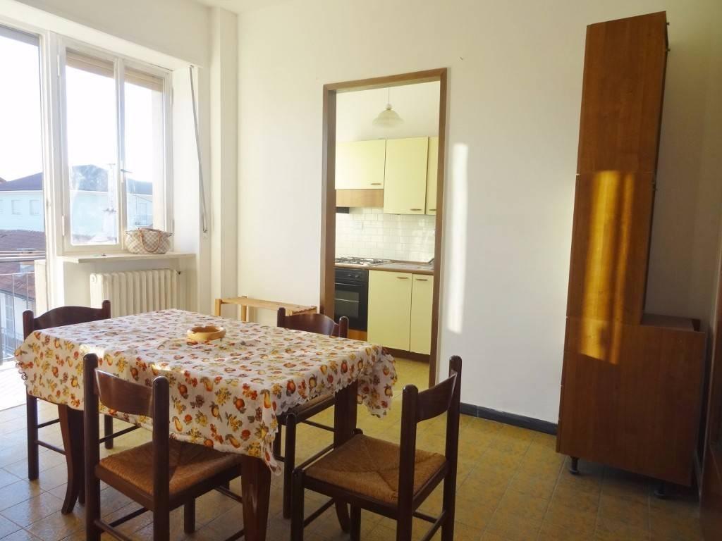 Appartamento in buone condizioni arredato in affitto Rif. 8175757