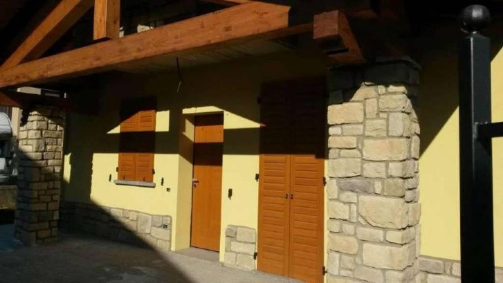 Villa in vendita a Appiano Gentile, 7 locali, prezzo € 395.000 | PortaleAgenzieImmobiliari.it