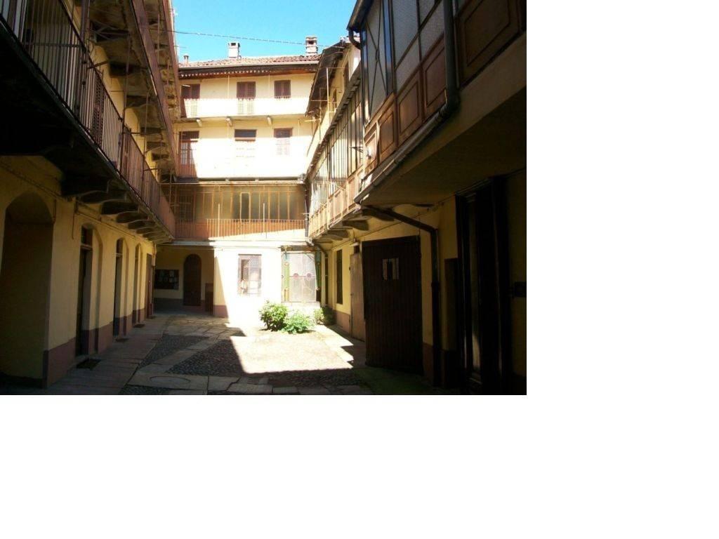 Stabile / Palazzo da ristrutturare in vendita Rif. 4209423