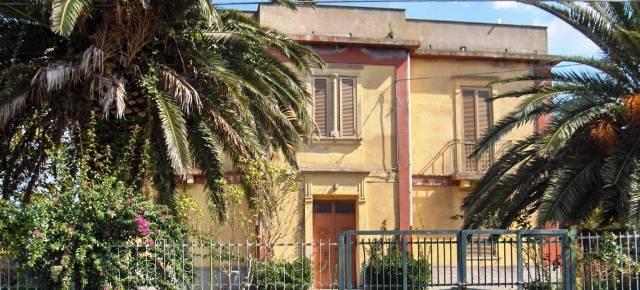 Ampia villa in vendita a pochi km da Tropea