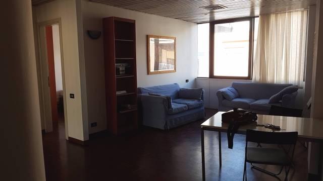 Appartamento in buone condizioni arredato in affitto Rif. 7324133