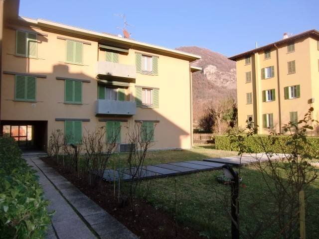 Appartamento in vendita a Canzo, 3 locali, prezzo € 130.000 | PortaleAgenzieImmobiliari.it