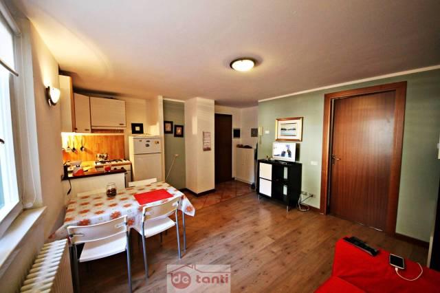 Appartamento in vendita a Chiavenna, 2 locali, prezzo € 110.000   CambioCasa.it