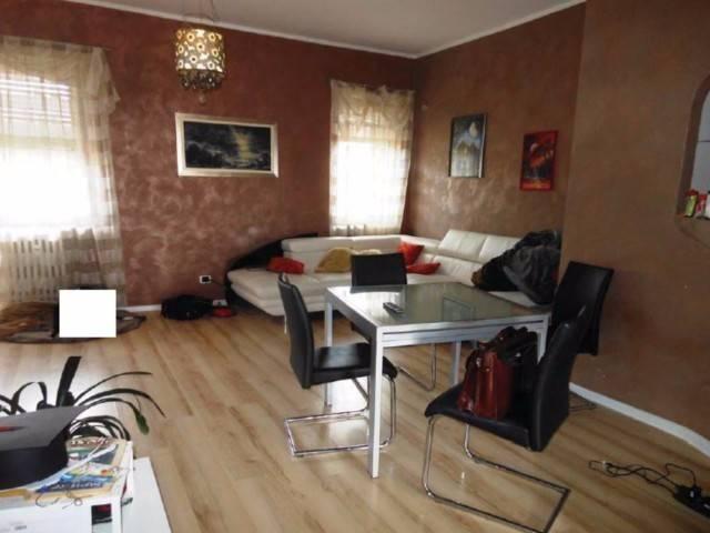 Appartamento in vendita a Piossasco, 4 locali, prezzo € 82.000 | Cambio Casa.it