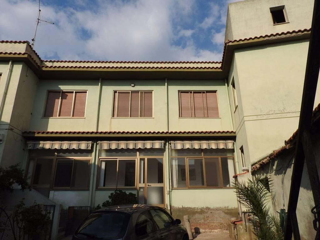 Villa in buone condizioni in vendita Rif. 4978328