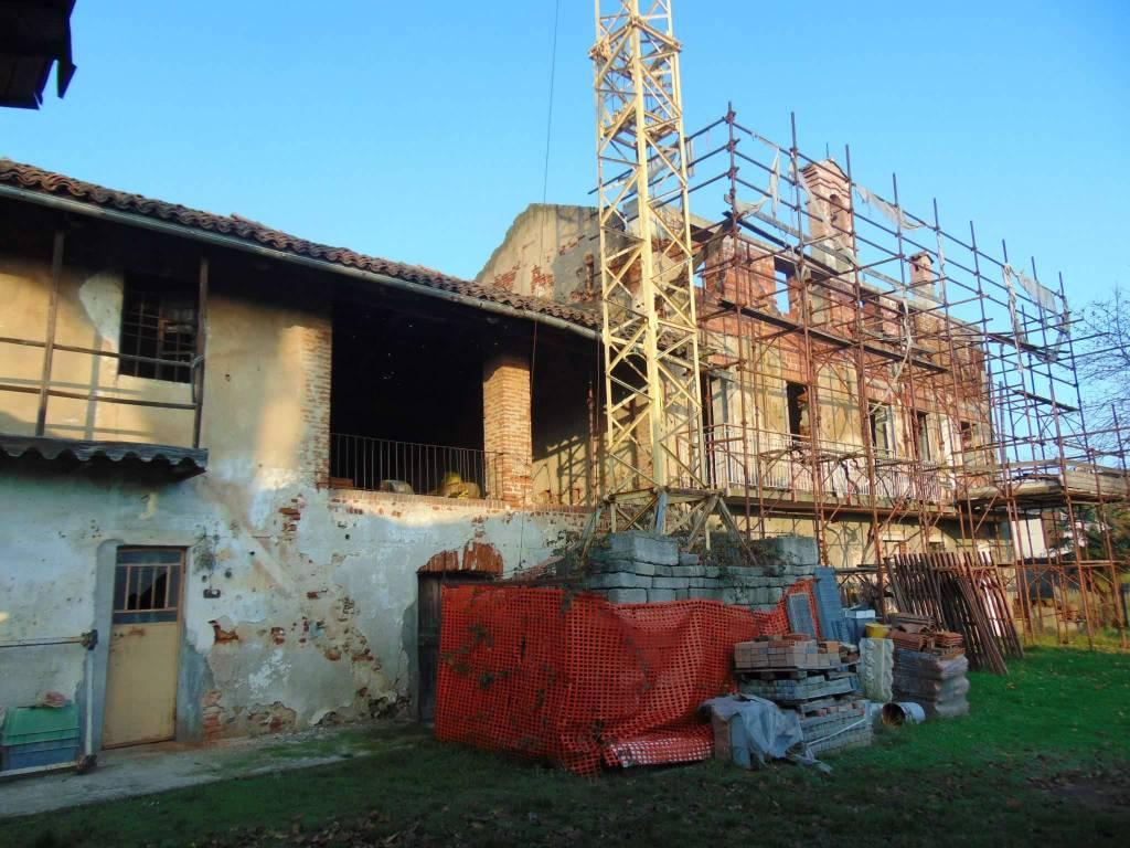 Foto 1 di Rustico / Casale via TETTI PERENO, Rivalta Di Torino