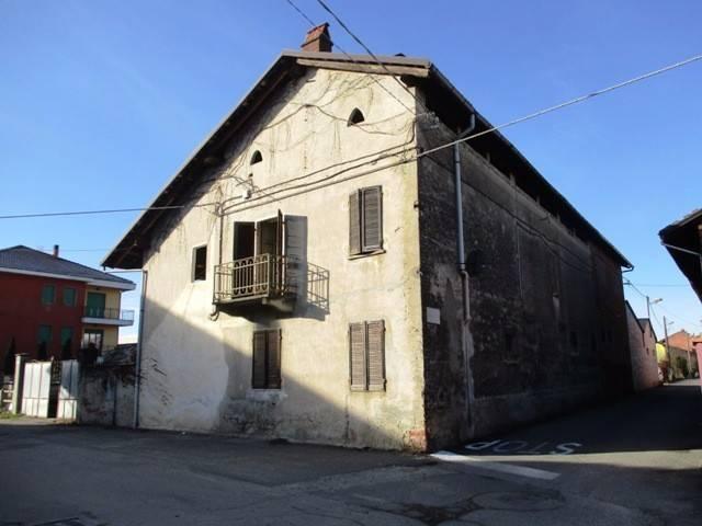 Rustico / Casale in vendita a Foglizzo, 6 locali, prezzo € 114.000 | CambioCasa.it