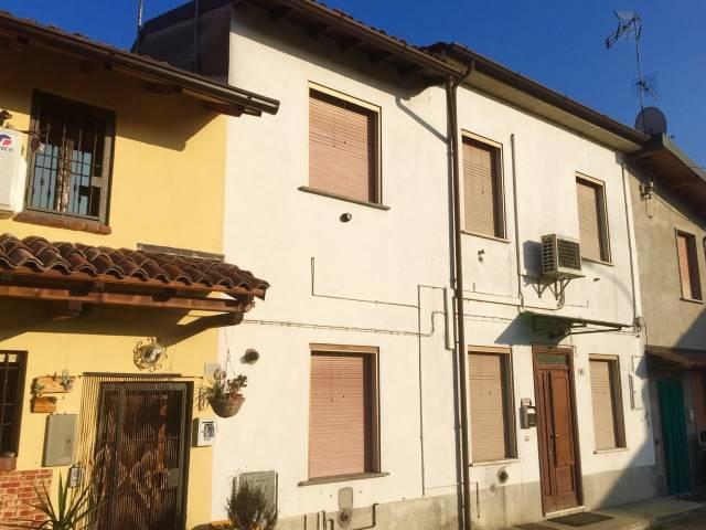 Villa a Schiera in vendita a Zinasco, 3 locali, prezzo € 60.000 | CambioCasa.it