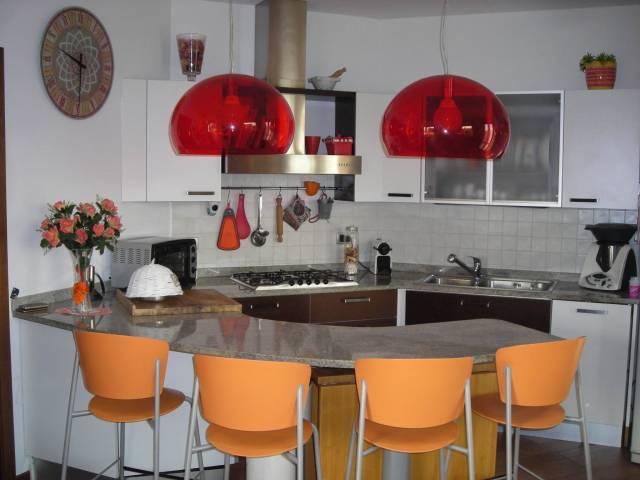 Appartamento in vendita a Fara Gera d'Adda, 5 locali, prezzo € 219.000 | CambioCasa.it