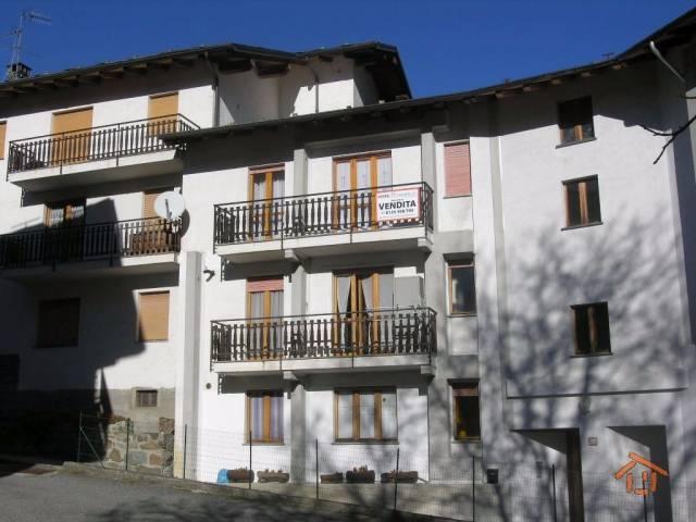 Appartamento in buone condizioni arredato in vendita Rif. 5051632