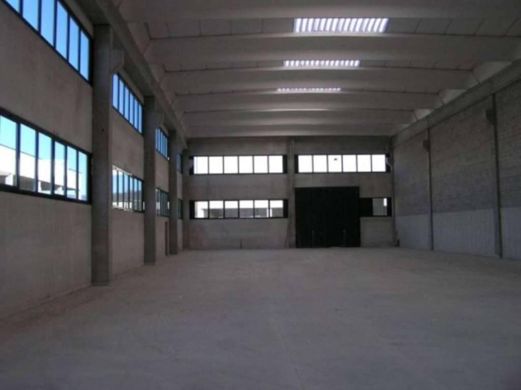 Capannone in affitto a Como, 1 locali, zona Acquanera- Albate -Muggiò -, prezzo € 3.500 | PortaleAgenzieImmobiliari.it