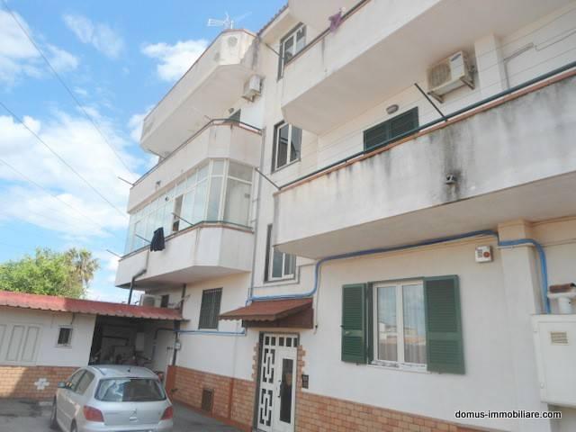 Appartamento in buone condizioni in affitto Rif. 8549537