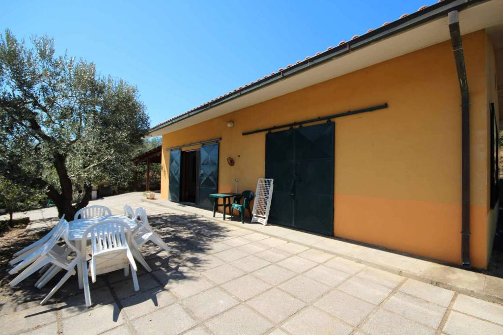 Attività / Licenza in vendita a Castiglione della Pescaia, 3 locali, prezzo € 400.000 | CambioCasa.it
