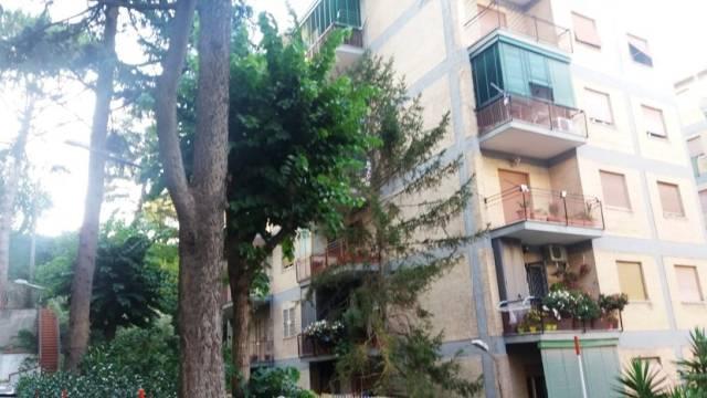 Appartamento in vendita 5 vani 120 mq.  viale Colli Aminei Napoli