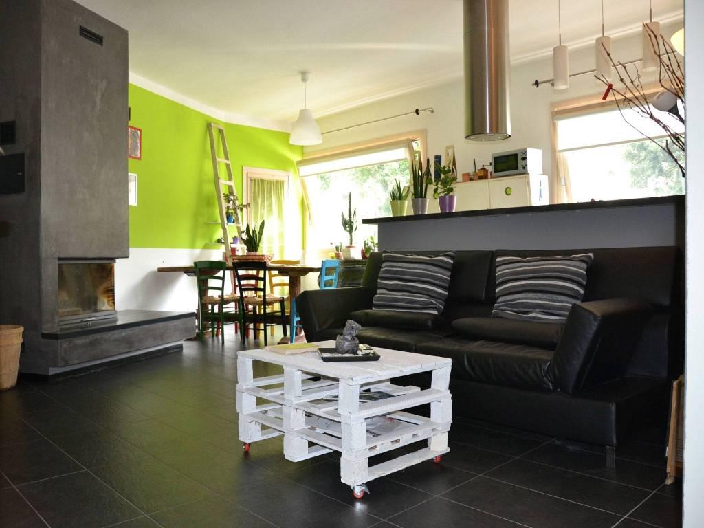 Appartamento in ottime condizioni in vendita Rif. 9305974