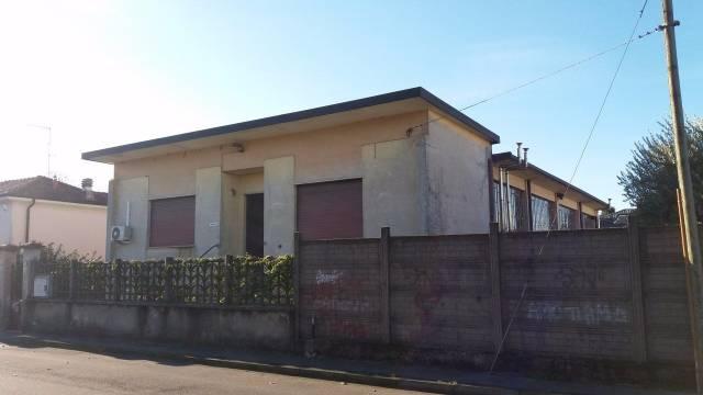 Capannone in vendita a Cerro Maggiore, 6 locali, prezzo € 250.000 | Cambio Casa.it