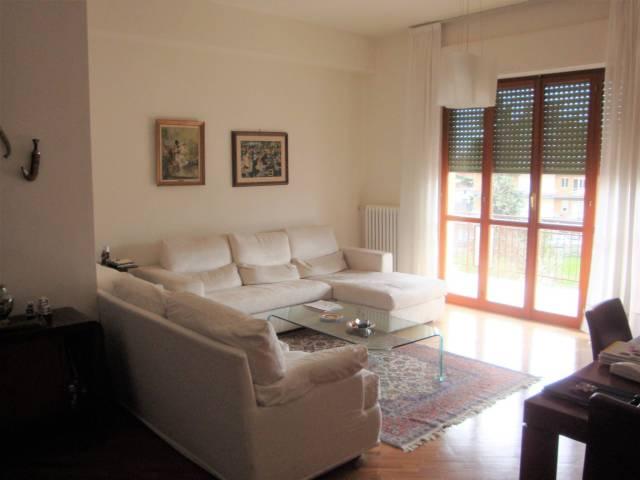 Appartamento in ottime condizioni in vendita Rif. 4397357
