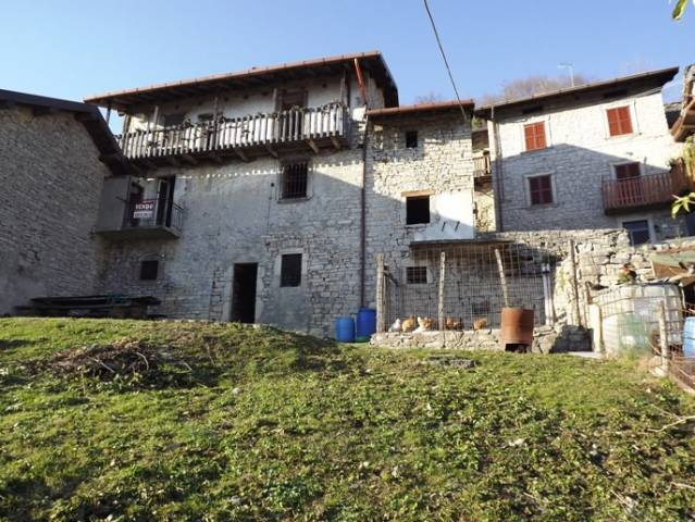 Rustico / Casale in vendita a Berbenno, 6 locali, prezzo € 85.000   CambioCasa.it