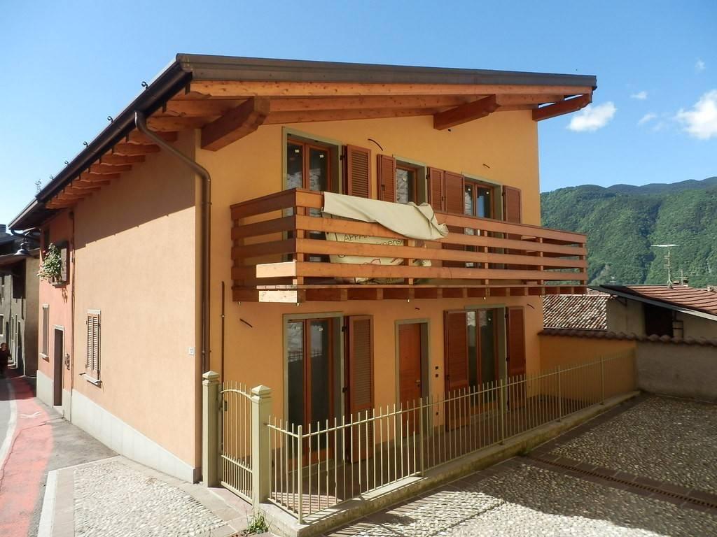 Villa in vendita a Songavazzo, 4 locali, prezzo € 189.000 | CambioCasa.it