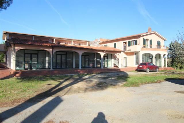 vendesi nel comune di Pergine Valdarno, albergo semifinito Rif. 4592378