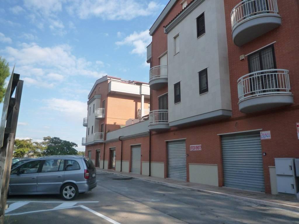 Negozio 6 locali in vendita a Foggia (FG)