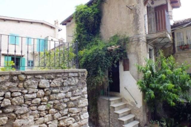 Appartamento in ottime condizioni in vendita Rif. 4191773