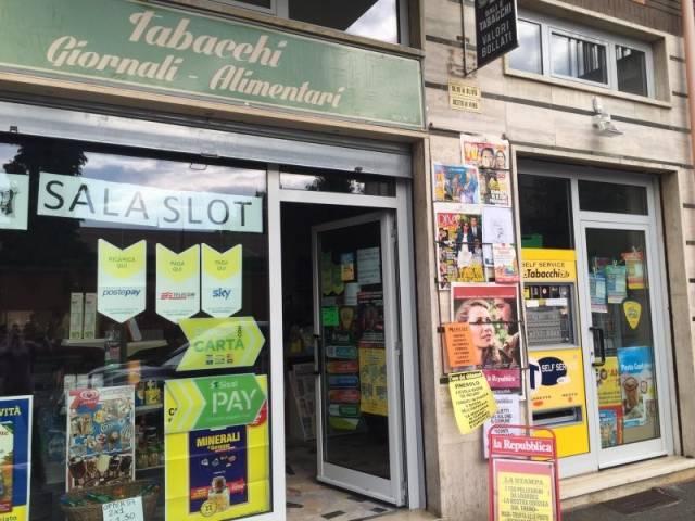 Tabacchi / Ricevitoria in vendita a Pinerolo, 3 locali, prezzo € 85.000 | Cambio Casa.it