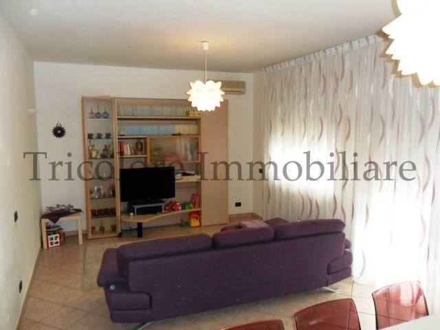 Appartamento in ottime condizioni parzialmente arredato in vendita Rif. 4972063