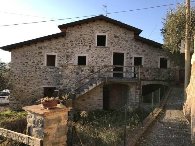 Rustico / Casale da ristrutturare in vendita Rif. 4399184
