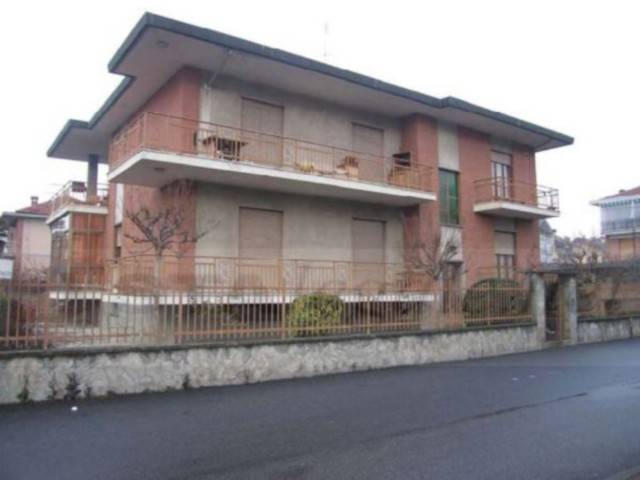 Villa in vendita a Orbassano, 6 locali, prezzo € 110.000 | Cambio Casa.it