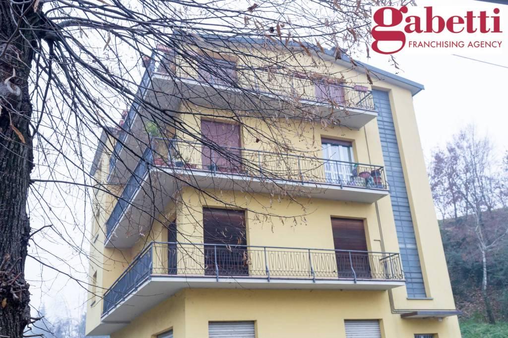 Appartamento in buone condizioni in affitto Rif. 4439275