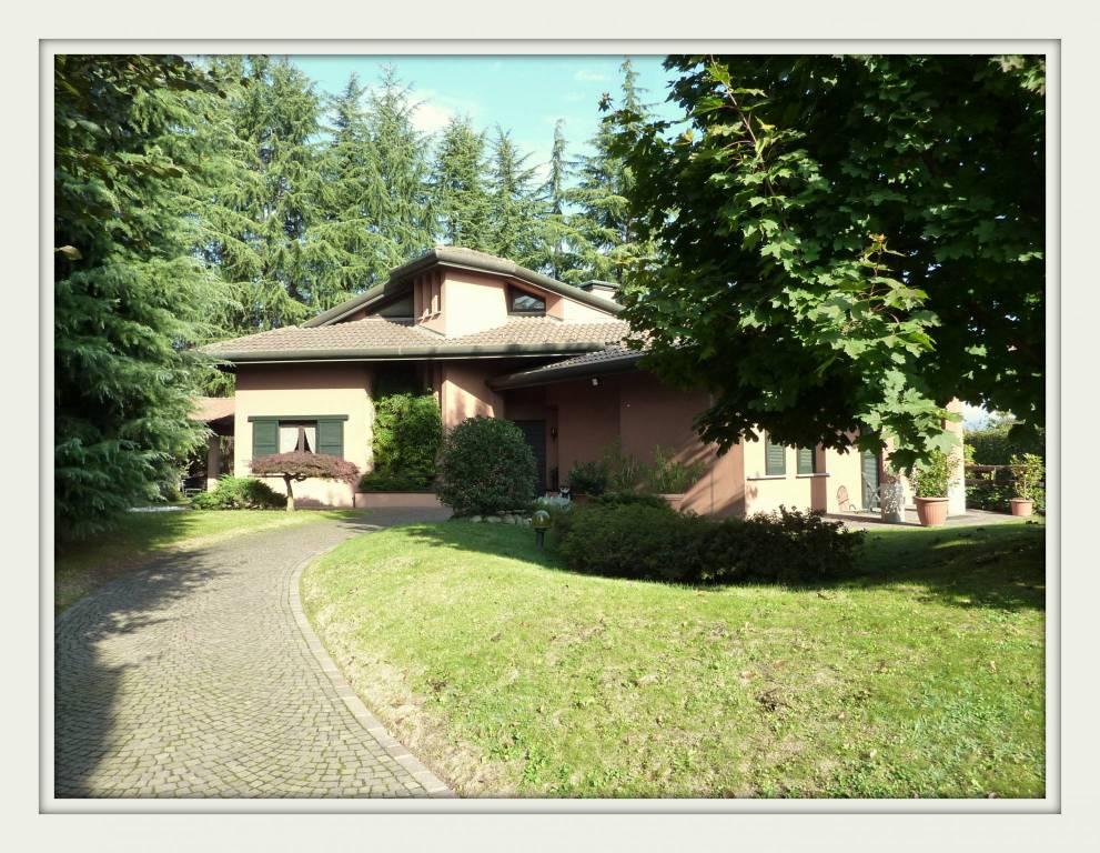 Villa 6 locali in vendita a Cassina Rizzardi (CO)