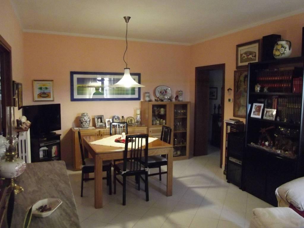 Appartamento in Vendita a Pontedera Semicentro: 5 locali, 90 mq