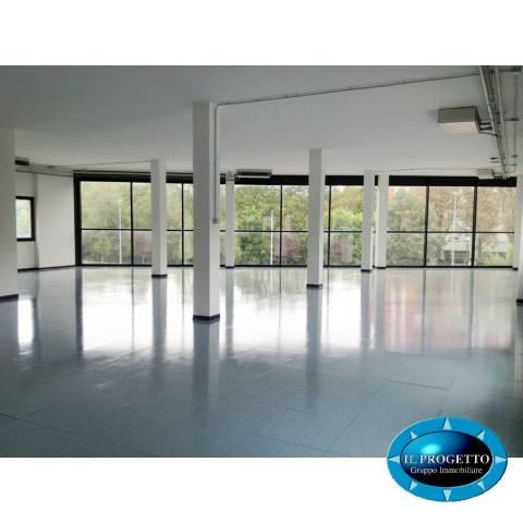 Ufficio-studio in Affitto a Bologna Periferia Nord: 292 mq  - Foto 1