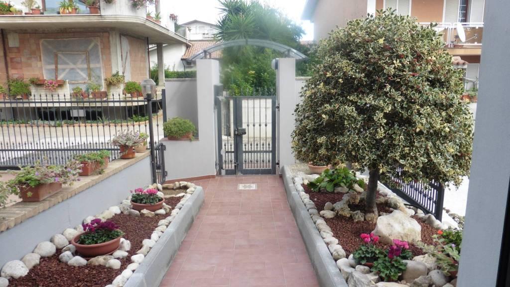 Appartamento in ottime condizioni in vendita Rif. 8777088
