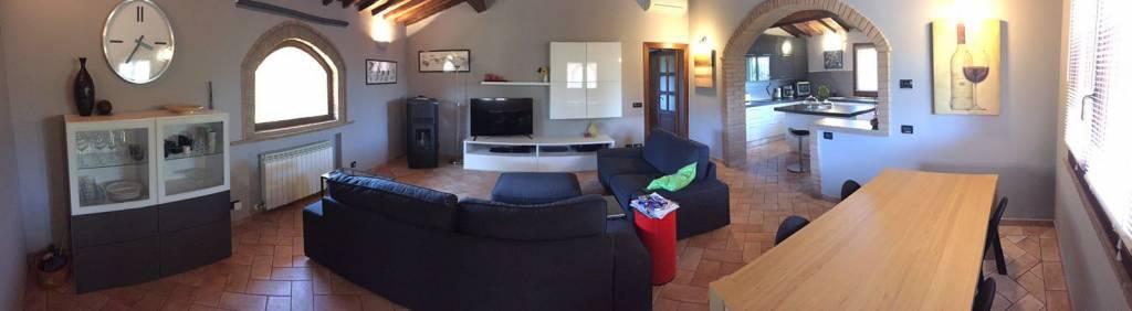Villa parzialmente arredato in vendita Rif. 8288206