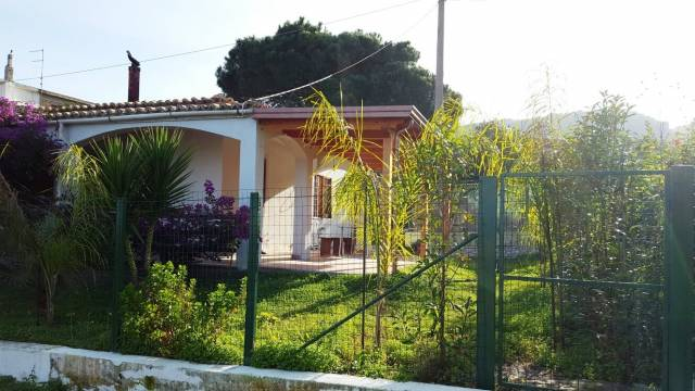 Graziosa villa bifamiliare in vendita a Tropea